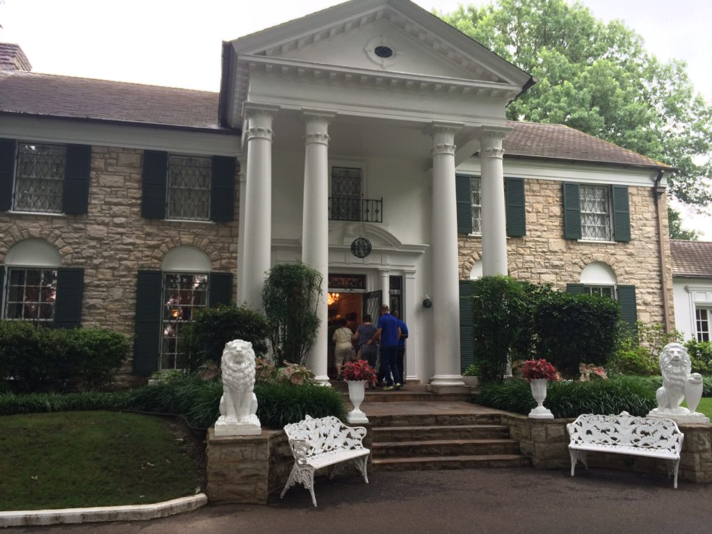 The front entrance of Graceland