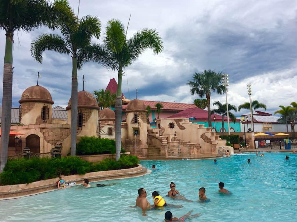 Caribbean Beach Resort of families. Fuentes del Morro Pool