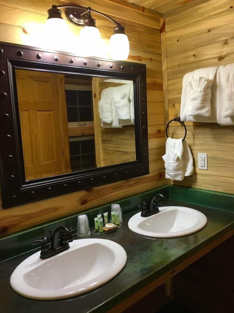 Badlands National Park, Cedar Pass Lodge, cabin, South Dakota,