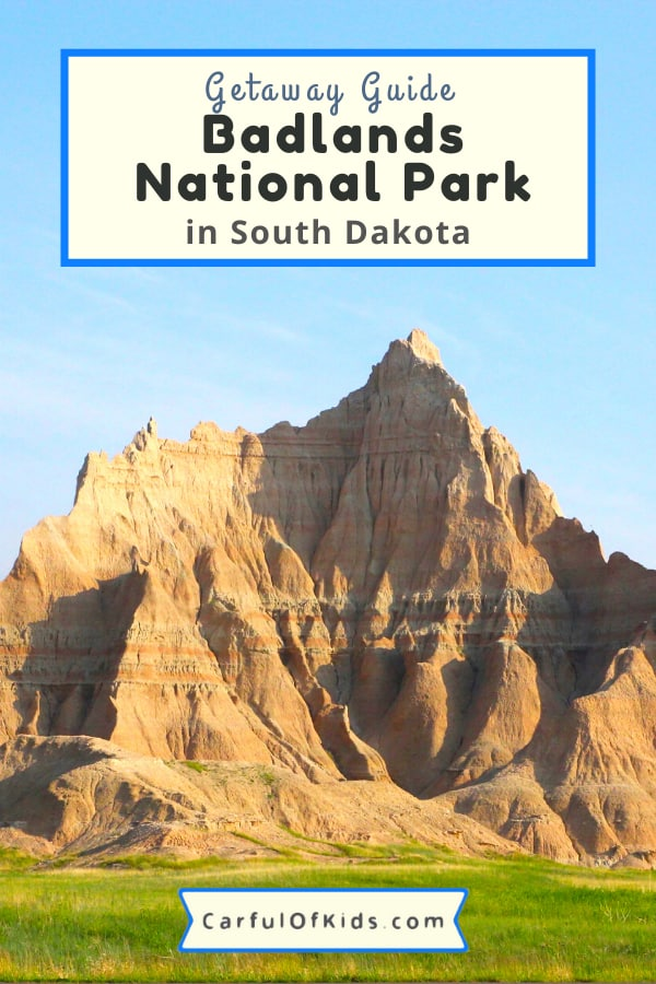 Your Guide to Exploring Badlands National Park near South Dakota's Black Hills. Spend a few hours or spend all day. Get details on where to stay and where to eat when exploring Badlands National Park. #NationalParks #NPS #SouthDakota What to do in Badlands National Park | Where to stay in Badlands National Park | Where to eat in Badlands National Park | National Parks of South Dakota