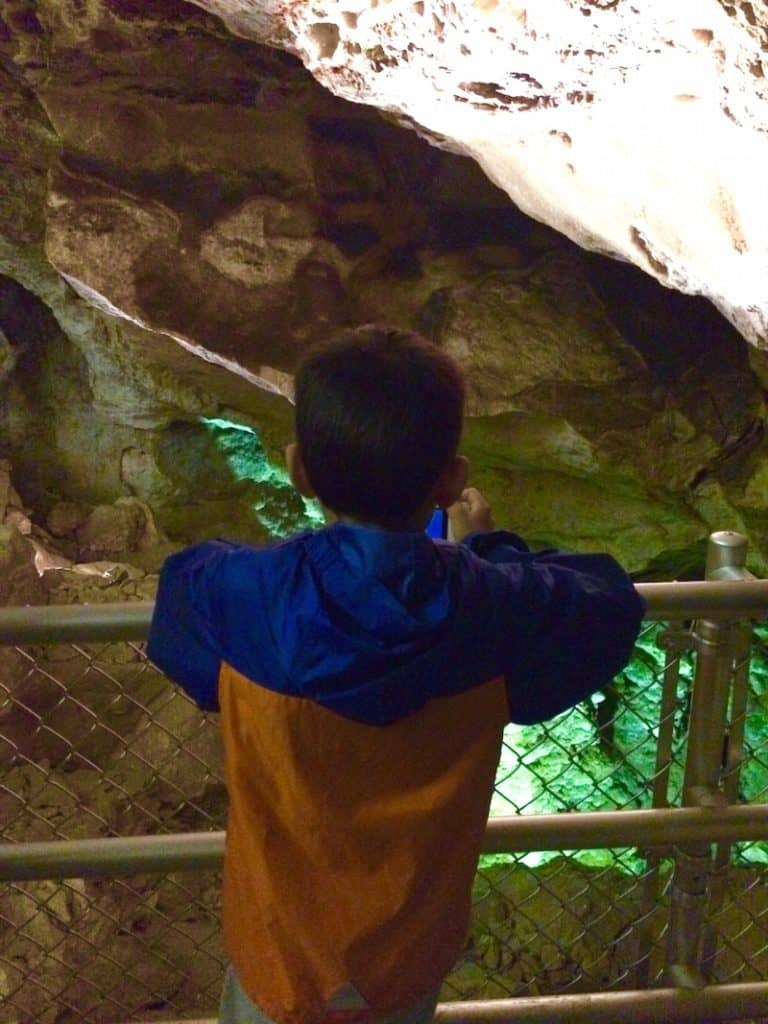 Jewel Cave National Monument, South Dakota, Badlands for kids,