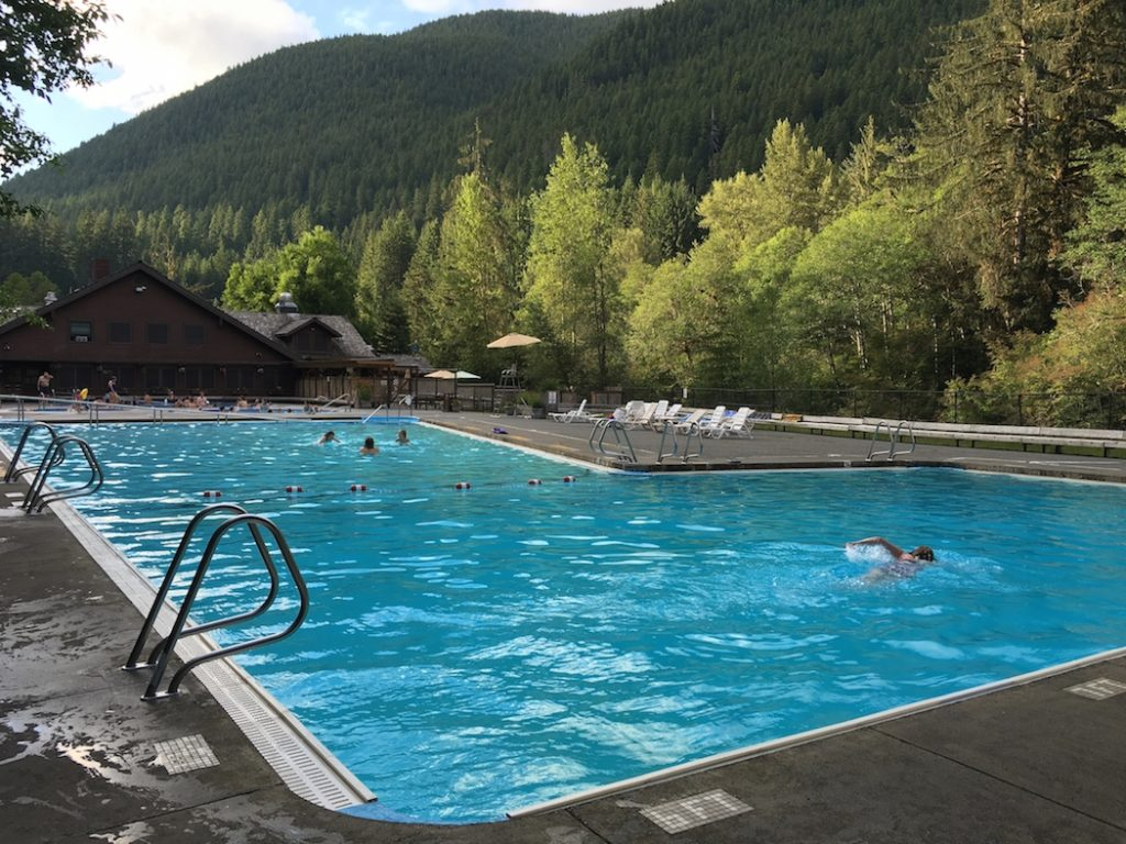 Explore the natural pools at Sol du Lac in Olympic National Park.