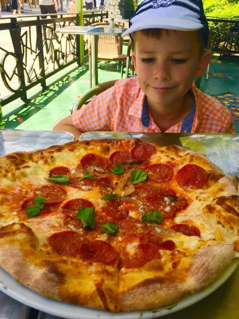 Enjoy pizza at Wolfgang's Express in Disney Springs with kids.