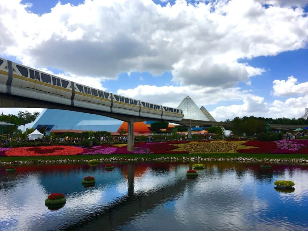Epcot Monorail. How to get around Walt Disney World.