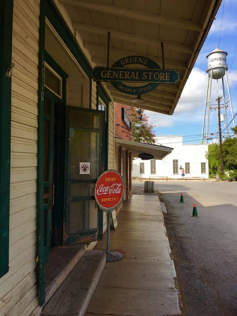 Gruene Historic District. Three day New Braunfels Itinerary.
