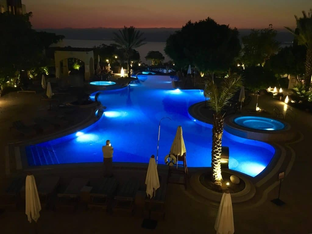 What to do at the Dead Sea. Where to stay at the Dead Sea.