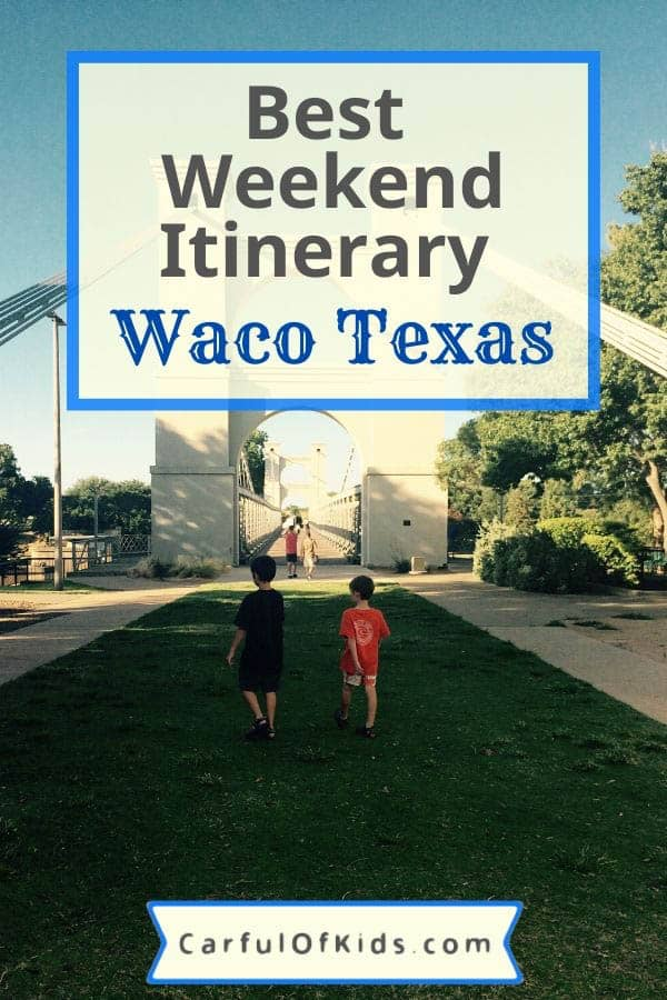 Head to Waco, Texas, for a weekend away with the family that doesn't include shopping. Here's a weekend itinerary full of family fun including the zoo, Dr. Pepper Museum, Waco Mammoth National Monument and more. #Waco What to do in Waco Texas with kids | Weekend Itinerary for Waco